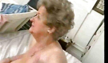 Arisa Nakanos Enge rasierte deutschepornos Muschi gefickt