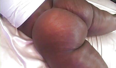 Big Ass Milf gibt guten deutschsprachige gratissexfilme Blowjob