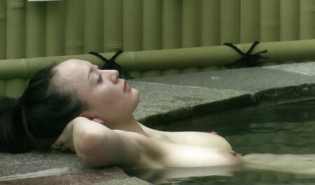 blond auf Bett Strumpfhosen zerreißen etc. neue deutsche pornofilme