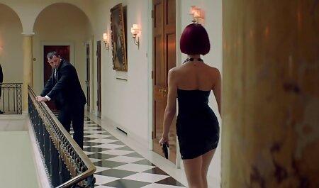 Die atemberaubende deutsche sexpornos Brünette August Ames nimmt einen großen Schwanz