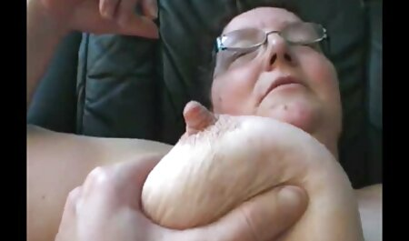 Süße deutsche pornos Agy fingert und spielt mit ihrer rosa Fotze