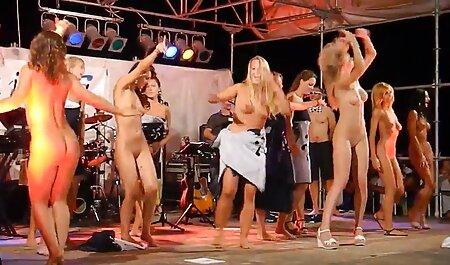 Flirty Teen Tristan setzt ihre Muschi deutsche pornofilme kostenlos ansehen auf den Schwanz des alten Mannes 420